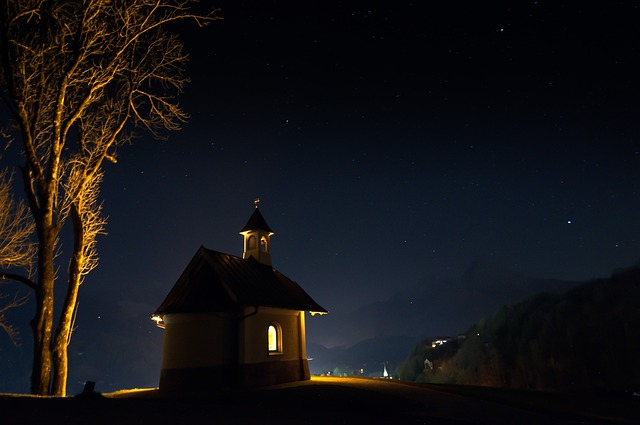 chapel-490459_640