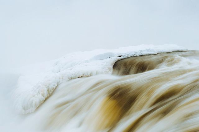 river-691189_640